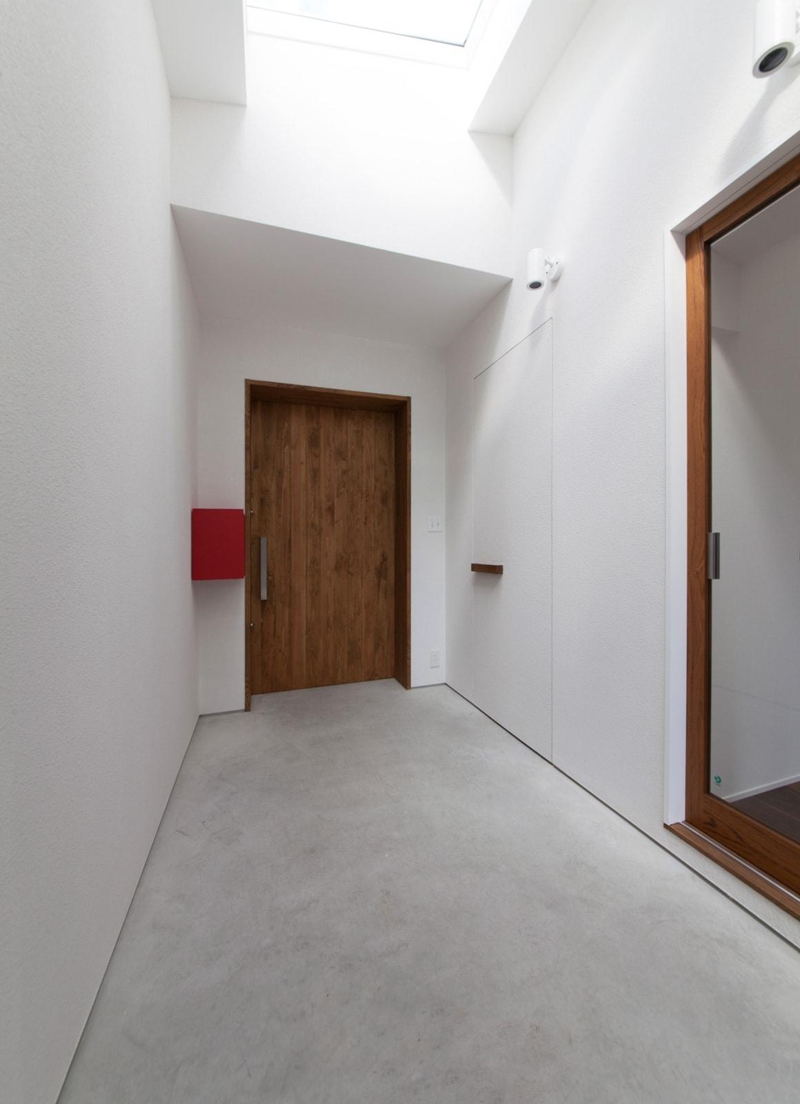 内外の家の玄関(土間・ホール)3
