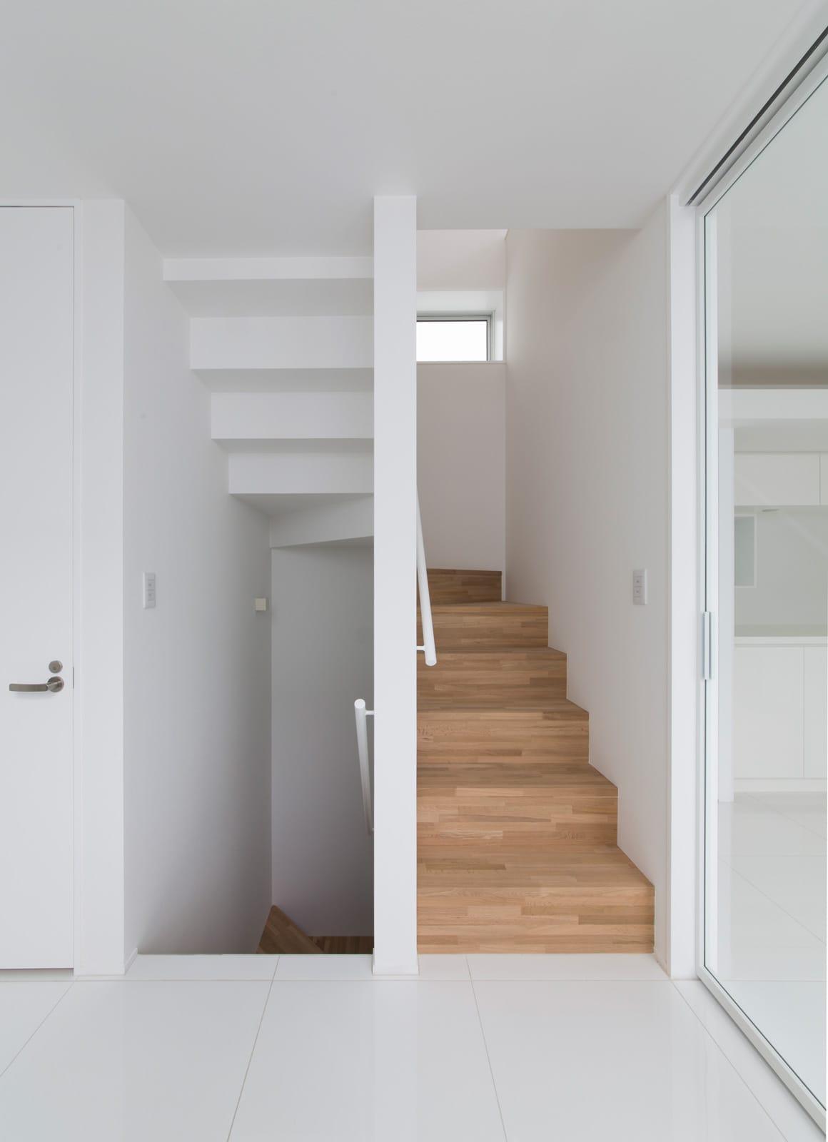 スカッとハウスの階段(木製)1