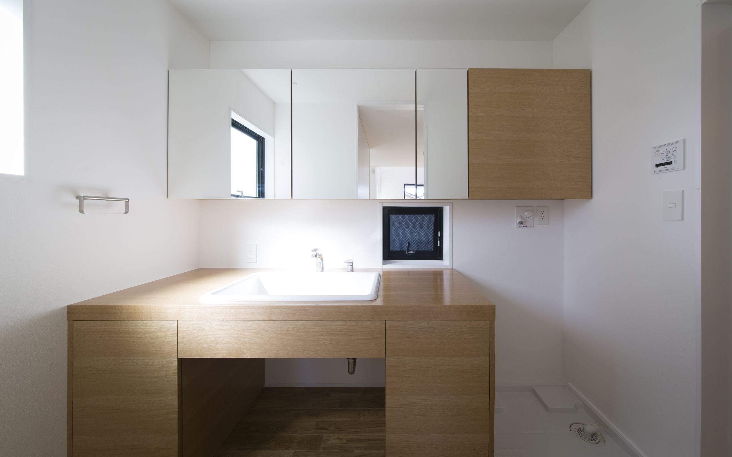 コンパクトデザインハウスの浴室・洗面室1