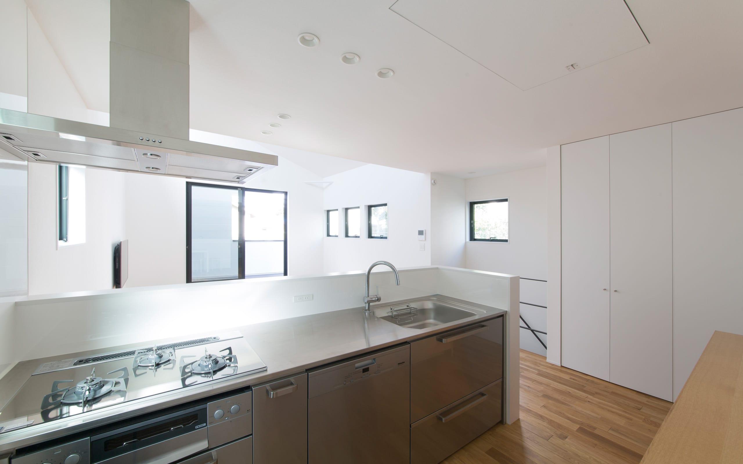 コンパクトデザインハウスのキッチン1