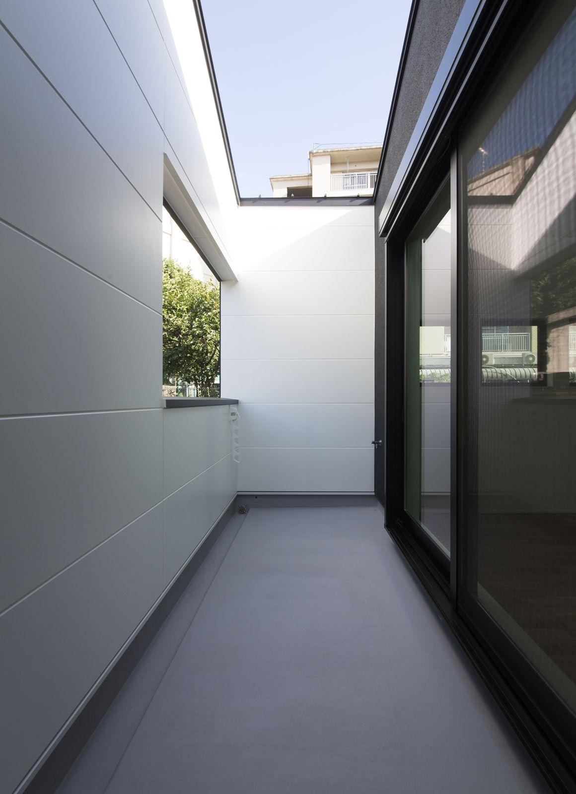 コンパクトデザインハウスのテラス・バルコニー1