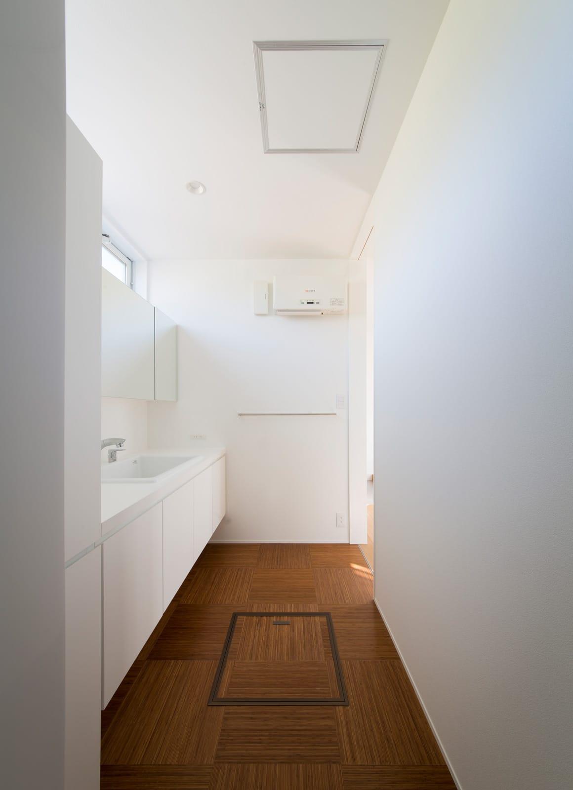 スクエアコートハウスの浴室・洗面室3