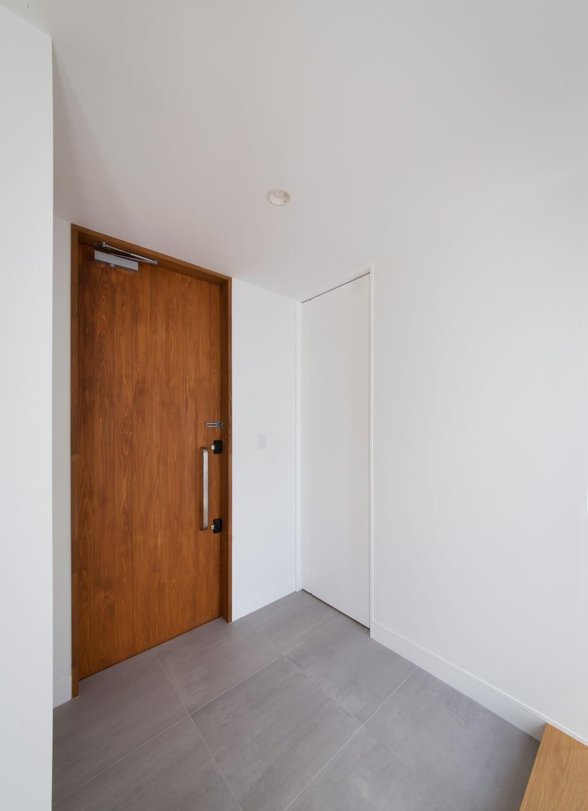 スクエアコートハウスの玄関(土間・ホール)1