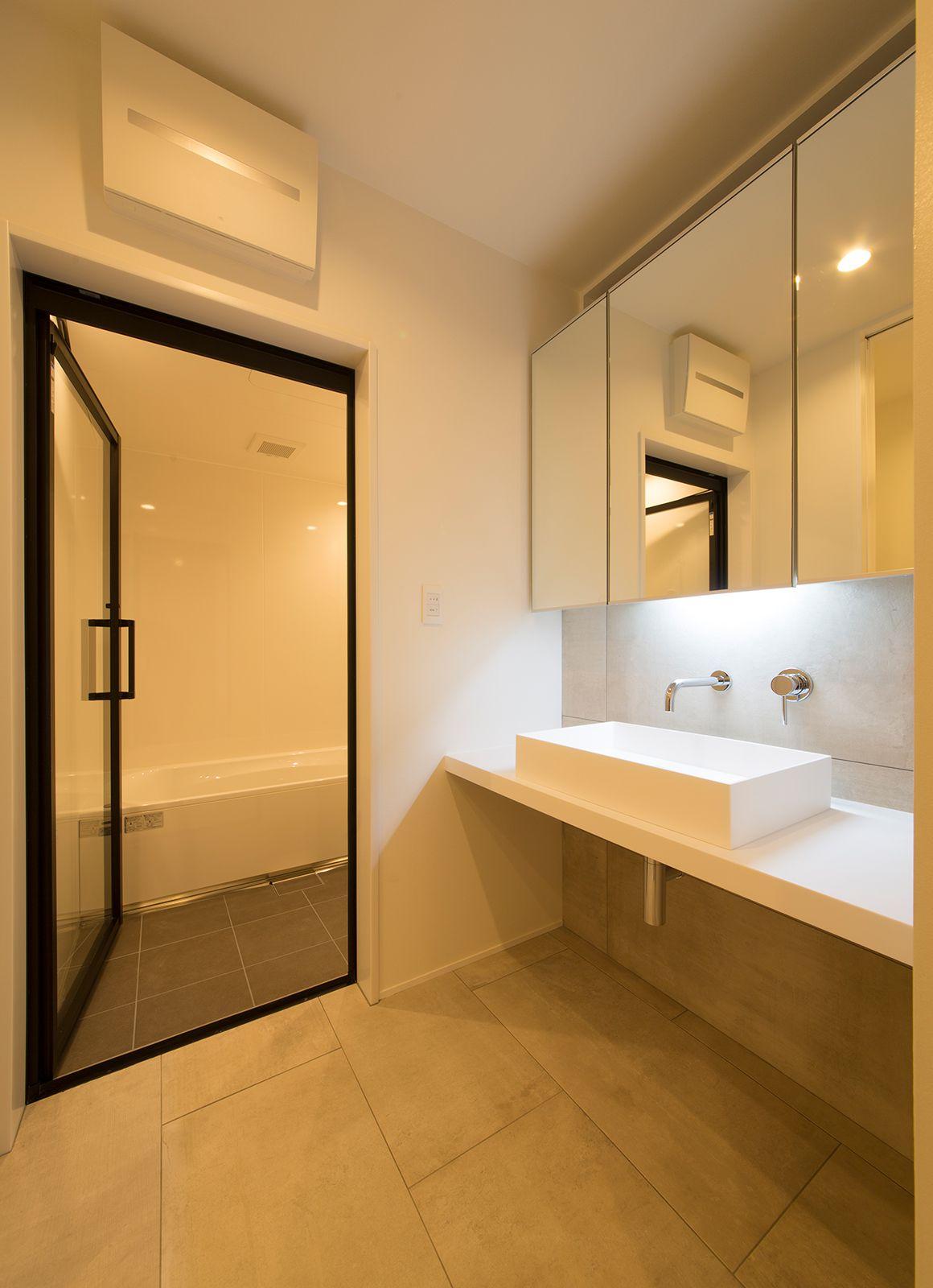ルンバブルハウスの浴室・洗面室1