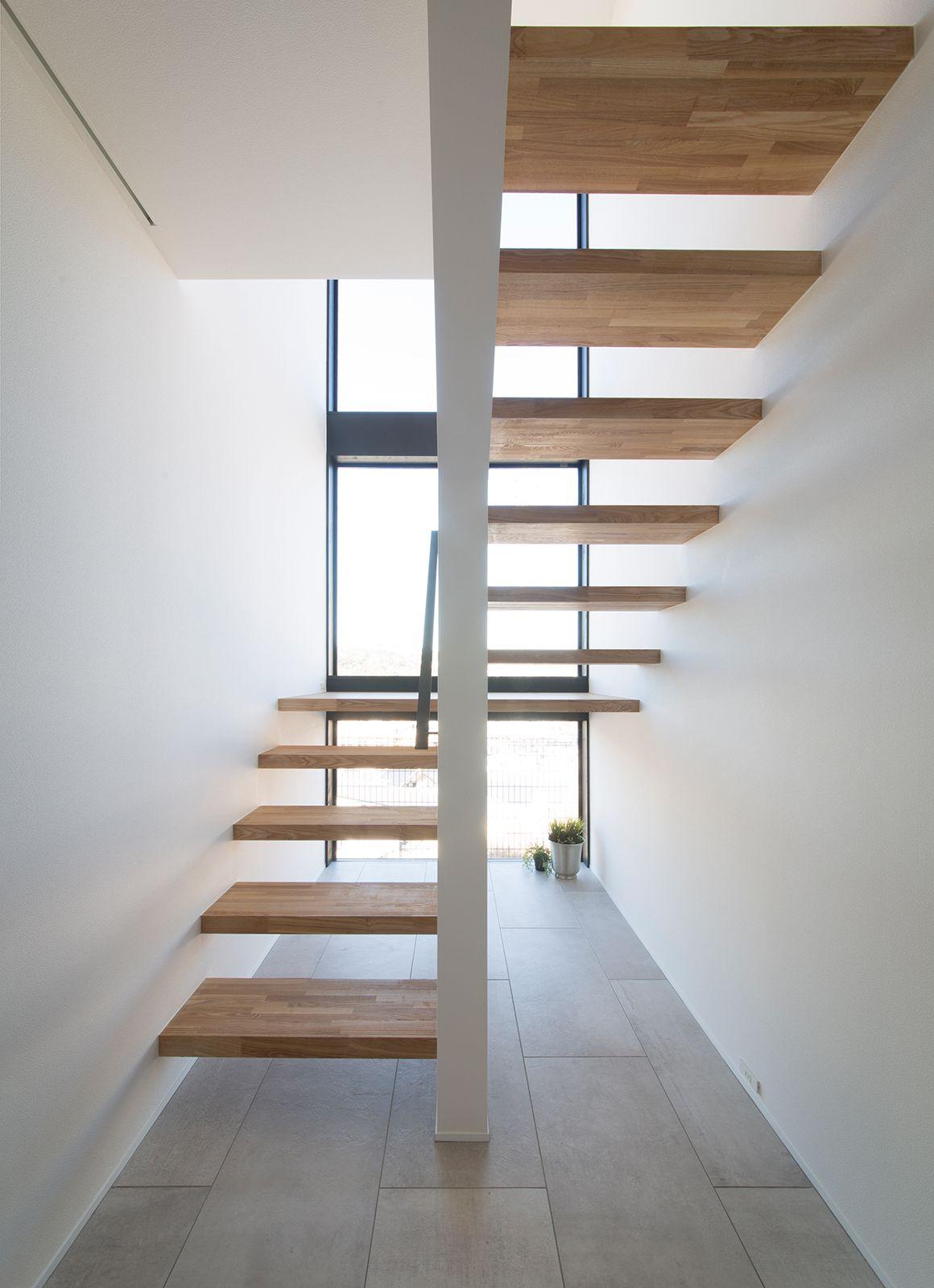 ルンバブルハウスの階段(木製)1